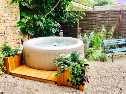 Private hot tub in La Grange garden